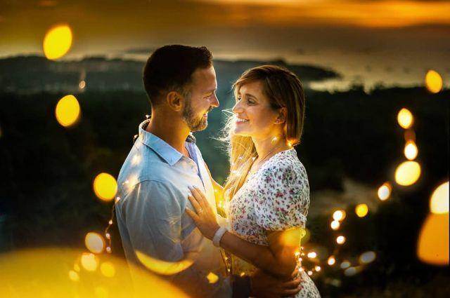 You're shining bby ✨  #bodas2020 #bodasconencanto #vestidodenovia #galiciacalidade #noviasdiferentes #truelove #bodasgalicia #noviasconestilo #invitadaperfecta #galicia #galifornia #vigo #ourense #noviasconestilo #vestidosdenovia #coruña #wedding #boda  #bodasoñada #spainwedding #couplegoals #weddingspain #lookslikefilm #loveislove #bodasengalicia @bmbodasvideo