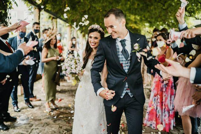 Nueva boda en la web☝☝link en la bio☝☝La preciosa boda de Dámaris y Ricardo que tuvo de todo, ¿que no te lo creés? Pasen y vean 😚 @pazotorresagrelo @mundorossa.saradeljesus @pronovias @fotomatonvigo @lydiagarciareposteria #bodas2021 #bodasconencanto #vestidodenovia #galiciacalidade #noviasdiferentes #torresdeagrelo #bodasgalicia #noviasconestilo #invitadaperfecta #galicia #galifornia #vigo #ourense #noviasconestilo #vestidosdenovia #coruña #wedding #boda #bodasoñada #spainwedding #couplegoals #weddingspain #lookslikefilm #loveislove #bodasengalicia