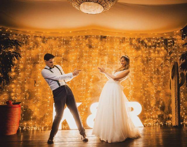 Bang, bang.🖕🖕link en bio🖕🖕 Nueva boda en mi web, la preciosa boda de Keila y Rubén, en el precioso @pazodatouza  en Nigrán. Preciosismo en estado puro 🤩 @martasaizmakeup @afloreria_sabaris @iosua_r_ @raraavis_tocados @sposanovias @protocolonovios @fotomatonvigo @sujaponjoyeriarelojeria #bodas2021 #bodasconencanto #vestidodenovia #galiciacalidade #noviasdiferentes #truelove #bodasgalicia #noviasconestilo #invitadaperfecta #galicia #galifornia #vigo #ourense #noviasconestilo #vestidosdenovia #nigran #wedding #boda #bodasoñada #pazodatouza #couplegoals #weddingspain #lookslikefilm #loveislove #bodasengalicia